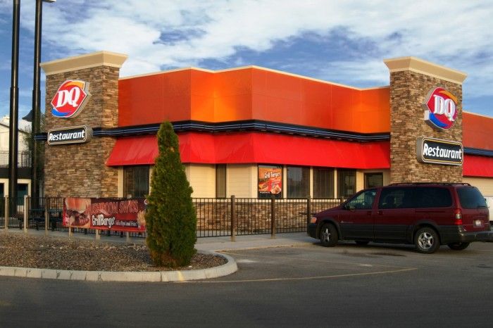 DAIRY QUEEN TO ADD 400 NEW STORES INCALIFORNIA