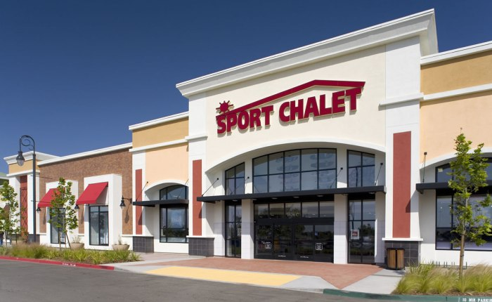 VESTIS DECLARES BANKRUPTCY, WILL CLOSE ALL SPORT CHALET STORES