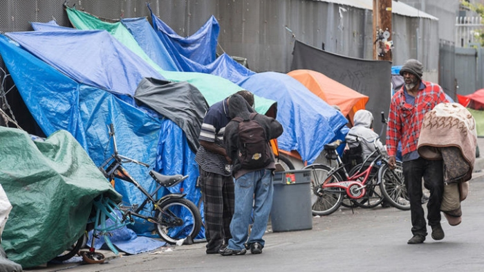 L.A. TO CONVERT MOTEL UNITS TO APARTMENTS FOR HOMELESSVETERANS
